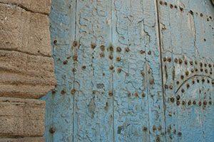 Türkisfarbene Tür in Essaouira
